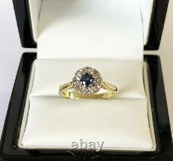 Fine Vintage 18ct Gold 0.35 Carat Blue Topaz 0.10 Carat Diamond Cluster Ring