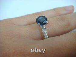 2.15 Carat Véritable Saphir Bleu Royal Et 0.40 Ct T. W. Diamonds Solitaire Ring