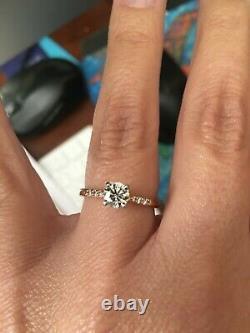 Nil Bleu. Bague De Fiançailles Diamant 57 Carats Beautiful 6 Taille De Pierre